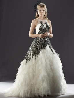 dh1_fleur_dela_cour_in_her_wedding_gown_01